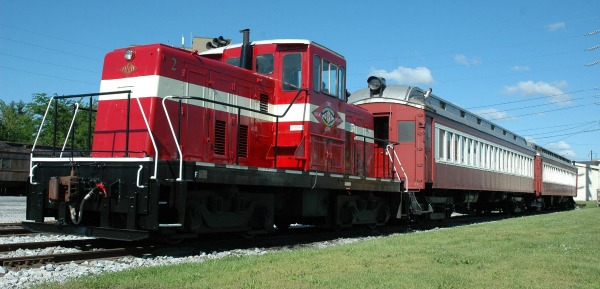 Locomotive 2 & passenger cars
